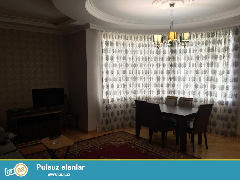 Очень срочно! Около м/с Хатаи  ,сдается в аренду на долгий срок 3-х комнатная квартира нового строения 5/16 , с супер ремонтом , общей площадью 120 квадрат...