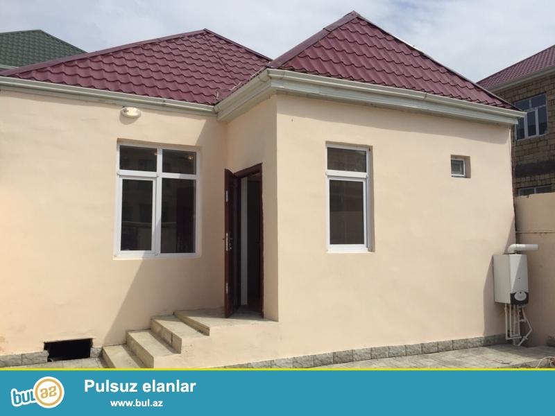 Biləcəridə Məmmədoğlunun arxasinda 2 sotda tikilmiş, yerdən 6 daş hündür 3 otaq 1 kuxna hamam tualetdən ibarət həyət evi...