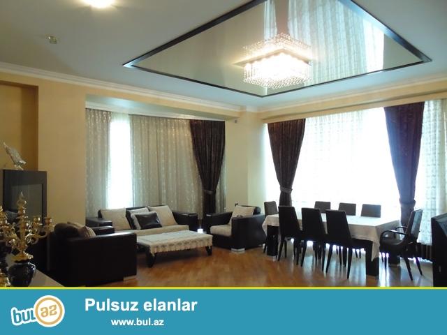 Между Порт Баку и парком С. Вургун сдается 8 ком квартира, с евро ремонтом, общ...