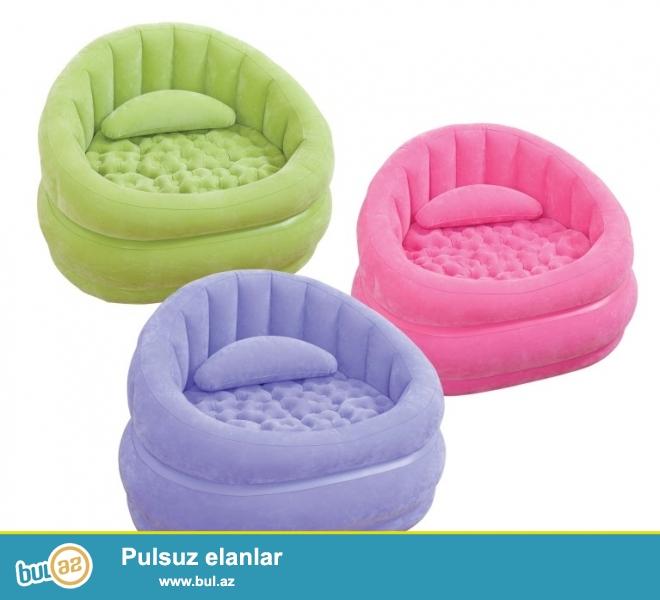 Артикул: 68563<br /> Надувное кресло Intex Beanless Bag Chair изготовлено из современных и высококачественных материалов, верхняя и боковые части имеют флокированное покрытие...