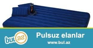 Классическая надувная кровать сверху имеет велюровое вискозное флокированное покрытие, которое легко очищается и водонепроницаемо, за счет чего удобно при использовании в кемпингах и палатках...