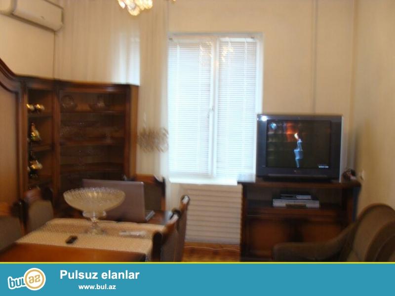 """Продается 2-х комнатная квартира в послеке Ени Ясамал, рядом с домом торжеств """"Гиисмет""""..."""