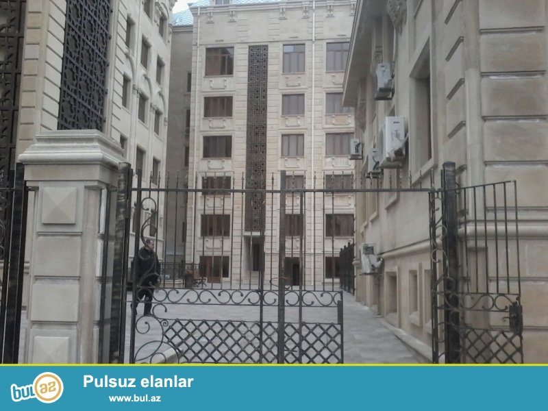 На Баксовете,около прокуратуры очент срочно сдается 1-о комнатная квартира...