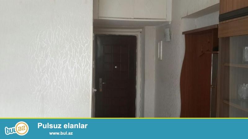 Очень срочно на проспекте Парламента,напротив школы №20 продается 1-но комнатная квартира,общей площадью 25 кв...