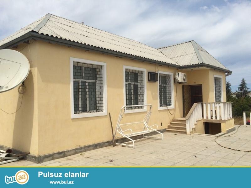 Срочно! В поселке Шувалан в 200 метрах от основной  дороги  с хорошими подъездными путями (асфальт повсюду) продается 1-но этажный, 4-х комнатный частный дом, площадью 105 квадрат, расположенный на 5...