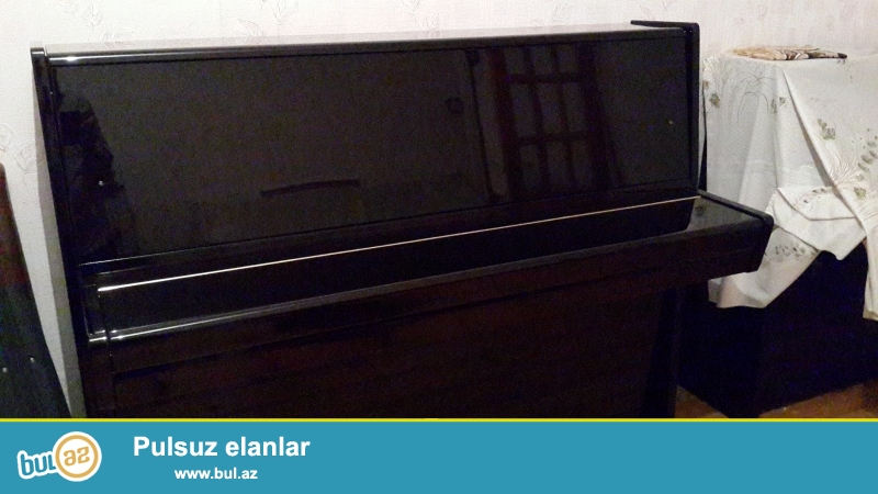 qehveyi rengli  cexiya istehsali olan sols  pianinosu  ...