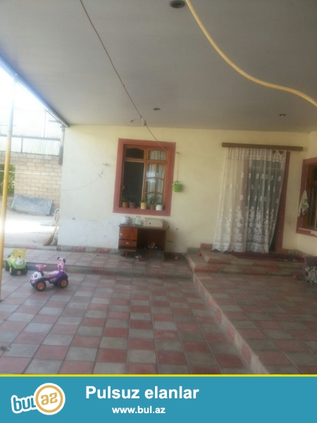 Mehdiabadda yolun qiraginda 3 otaqli heyet evi tecili satilir...