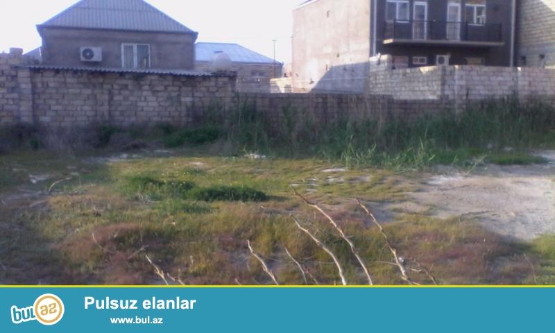 Bineqedide Zengezur sadliq evine yaxin esas yoldan 50 m arali 6 sot torpaq tecili satilir...