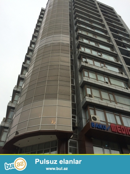 Срочно!!! Продается 2-х комнатная переделанная в 3-х комнатную квартиру, в центре по улице Р...