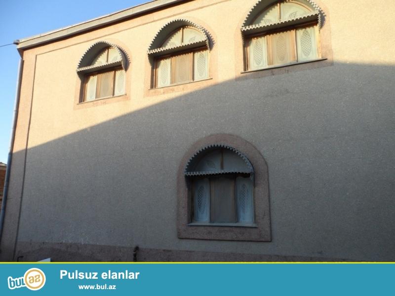 Срочно! В посёлке Шувалан, за Шувалан парком сдается в аренду на летний сезон 1-но этажный, площадью 200 квадрат, 4-х комнатный частный дом с ремонтом в классическом стиле, расположенный на 12 сотках земли...
