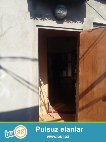 XALİD   Sabunçu rayonu, Zabrat 2 qəsəbəsi Məscidin yanında əsas yoldan 20 metr  məsafədə , ümumi sahəsi 60 kv...
