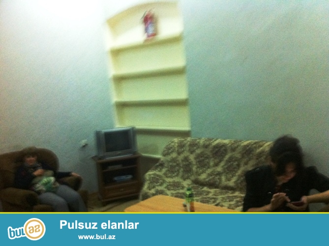 Cдается 2-х комнатная квартира в центре города,около метро Ичеришехер...