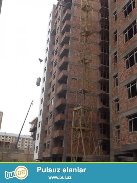 Elimlər Akademiyası BDU-nun yanı 17 mərtəbəli binanın 14-cü mərtəbəsində sahəsi 92 kv...