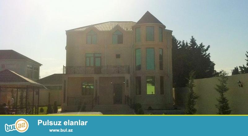 Для очень солидных клиентов! В элитном участке посёлка Мардакан ,надалеко от  ресторана Гоша Гала продается 3-х -этажный, площадью 400 кв...