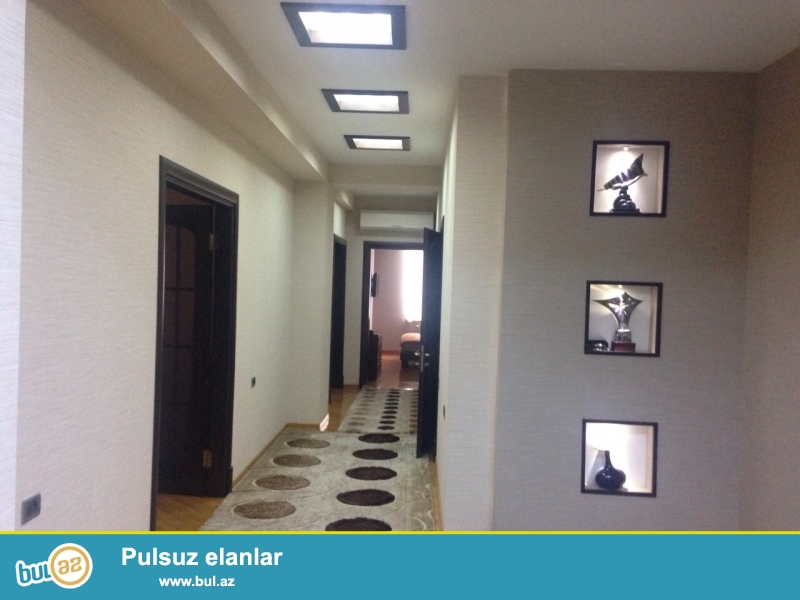 В Насиминском районе,по ул. Мирали Гашгая АФ КОМ ПЛАЗА,около гостинницы Гарабаг,в новостройке сдается 4-ех комнатная квартира...