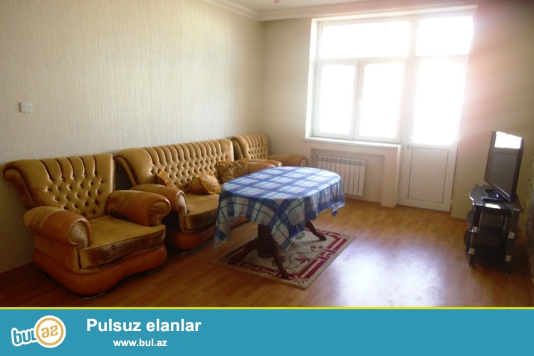 Cдается 3-х комнатная квартира около метро Гара Гараева...