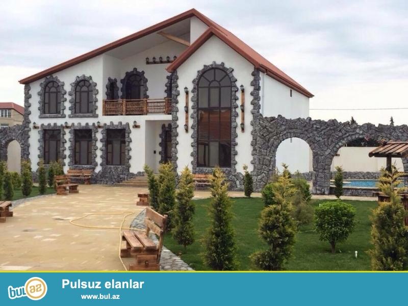 Продается только построенная в Европейском стиле 2 этажный сказочный дом-вилла , расположенная в престижном месте в поселке Мардакан, у новой дороги на 16 сот земли...