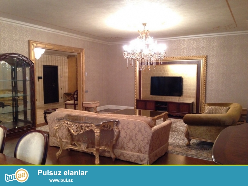 Очень  срочно ! Для солидных клиентов, прям в центре города рядом с *JW Marriott Hotel Absheron Baku*  сдаётся   в аренду на долгий срок   4-х комнатная  квартира нового строения  10/14...