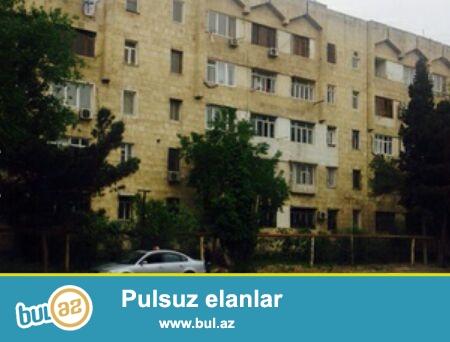 Cдается 3-х комнатная квартира в 7 МКР-е, рядом с метро Азадлыг...