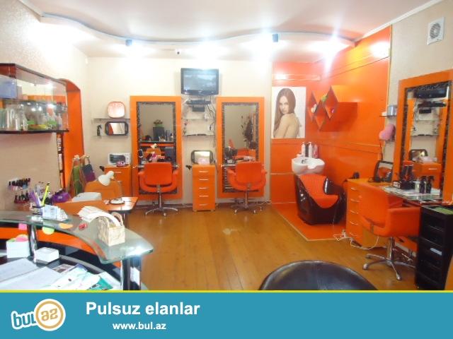 Sebail rayonu Qoqol kucesinde 3 otaqli gozellik salonu satilir...