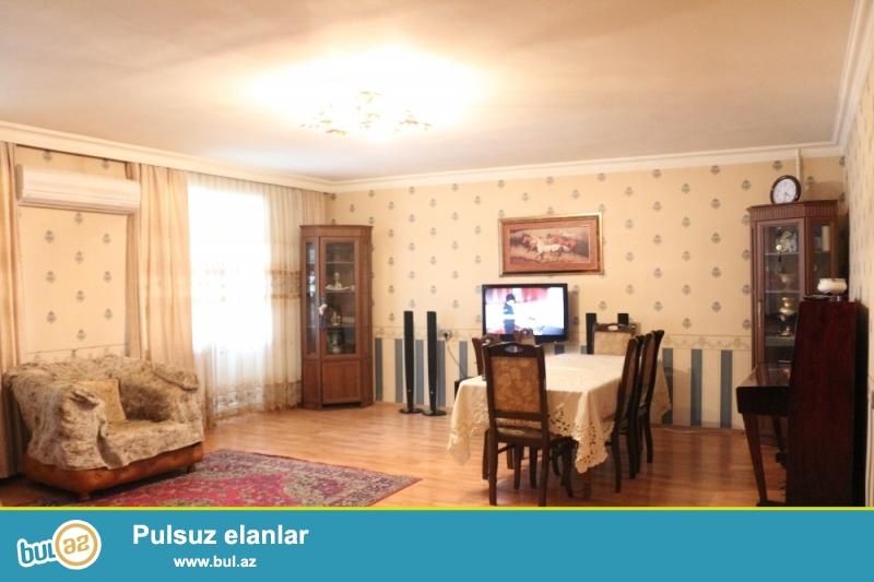 DƏYƏRİNDƏN AŞAĞI!!! Binəqədi rayonu, Ayna Sultanova heykəli yaxınlığında 2/5 ümumi sahəsi 110 kv...