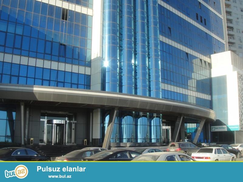 Tecili!!!Satilir Obyekt Azure Ticaret ve Eylence Merkezinde (Megafun) Nobel Prospekti Xetai metrosu terefde...