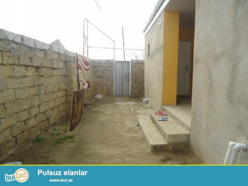 İslam  Sabunçu rayonu,Maştağa qəsəbəsi 128 saylı orta məktəbə yaxın ərazidə 1...