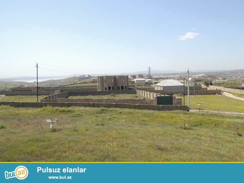 Novxani baglari erazisinde 12 sot torpaq sahesi.Hundurde yerleshir, dord terefi dash hasar...