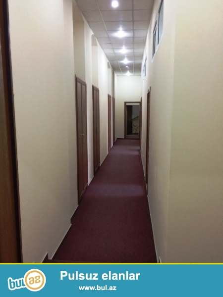 В Сабаиловском районе,в здании Араз очнь срочно сдается квартира под офис...