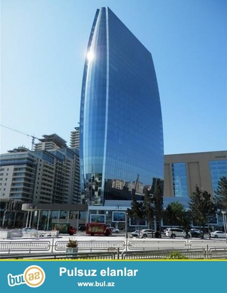 Продается 3-х комнатная квартира в одном из самых престижных комплексов столицы «PORT BAKU RESİDENCE», 6/26 этажной новостройки, общая площадь 160 кв...