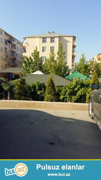 Masazır qəs. Qurtuluş 93 yaşayış Kompleksində 1 otaqlı super təmirli evimi əşyaları ilə satıram...