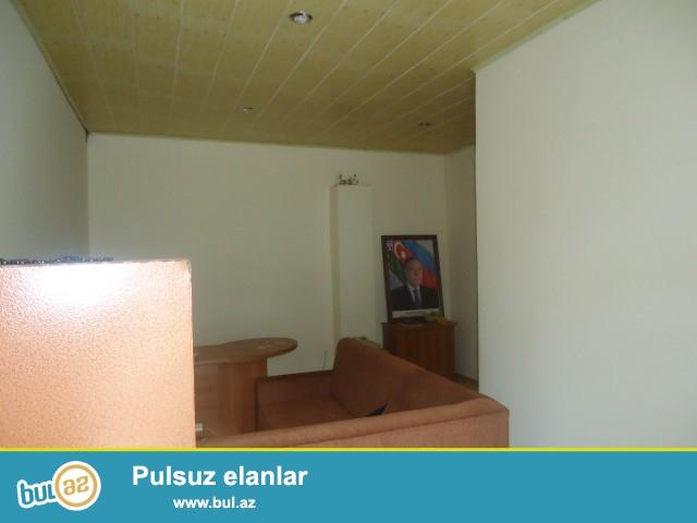 ZAHİR Sabunçu rayonu, Zabrat 2 qəsəbəsi,əsas yolun kənarında ümumi sahəsi 260 kv...