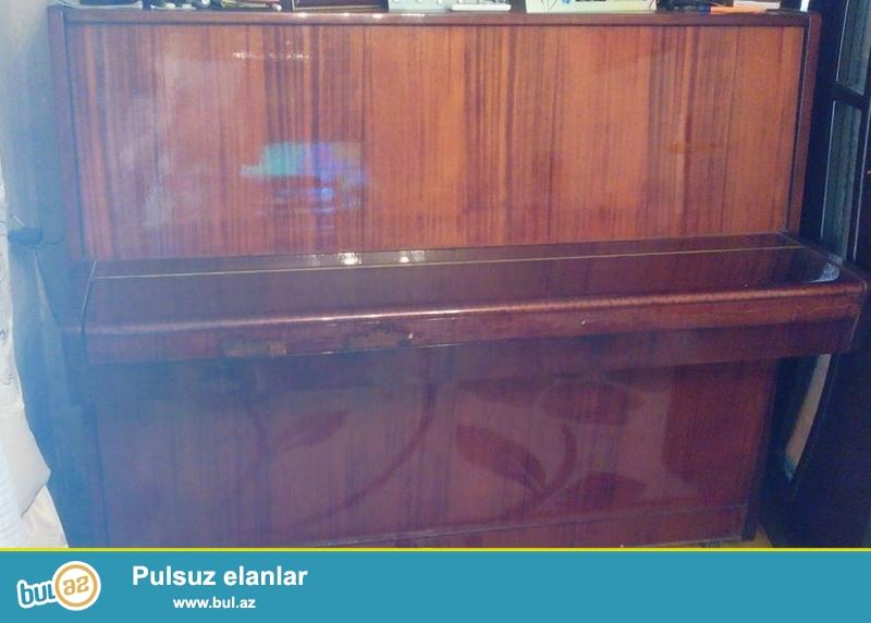 Belarus pianosudur.klavisler yerindedir,gozel calinir,yalniz mecburiyyetden satilir be tecili olaraq,Alan sexse evvelceden minnetdaram.