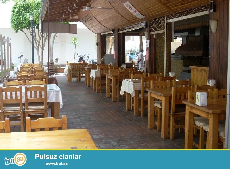 Razində mərkəzdə 8 sotun içərisində kafe-restoran satılır...