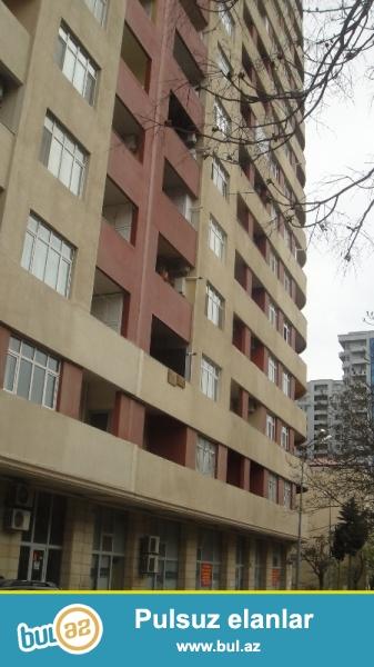Tecili satilir obyekt.Mirhesenov kuc (Nesimi bazari terefde)28May metrosuna yaxin,yenitikili 1/16, 65kv/m...