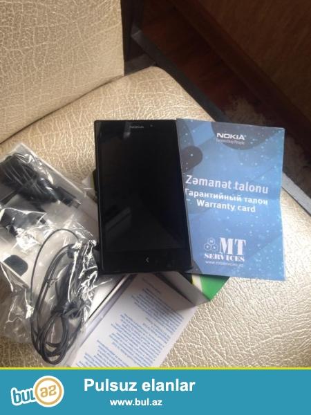 Nokia XL. Yanvar ayinda alinib 2 ay iwledilib wekildeki 1ciziqdan elave hecneyi yoxdu...
