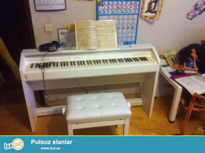 Duyada 3cu en cox piano satisi ile mehsur Yaponyanin Casio sirketine mexsus PX-760 modeli...
