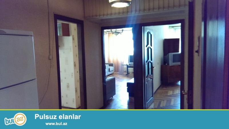 На проспекте Ататурка,около Самсунга срочно прдается 2-ух комнатная ленинградка...