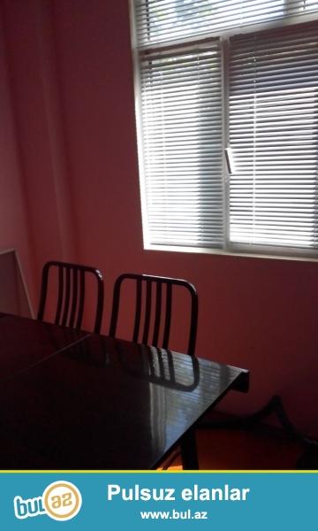 Очень срочно около метро Нариманова сдается 2-ух комнатная квартира переделанная на 3 комнаты ...