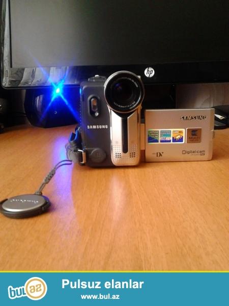 er bir seyi var isleyir qutuda olanlar tv ucun kompyuter ucun olan kabellerdir pultu var videokamera yaddas karti destekleyir sekil cekir elaqe nomresi 0556074634 0514524364<br />