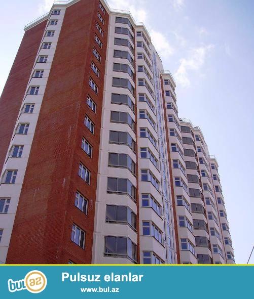 Hezi Aslanov metrosunun ustunde tam temirli her bir weraiti olan 3 otaqli evin 1 otagi XANIMLARA kiraye verilir...