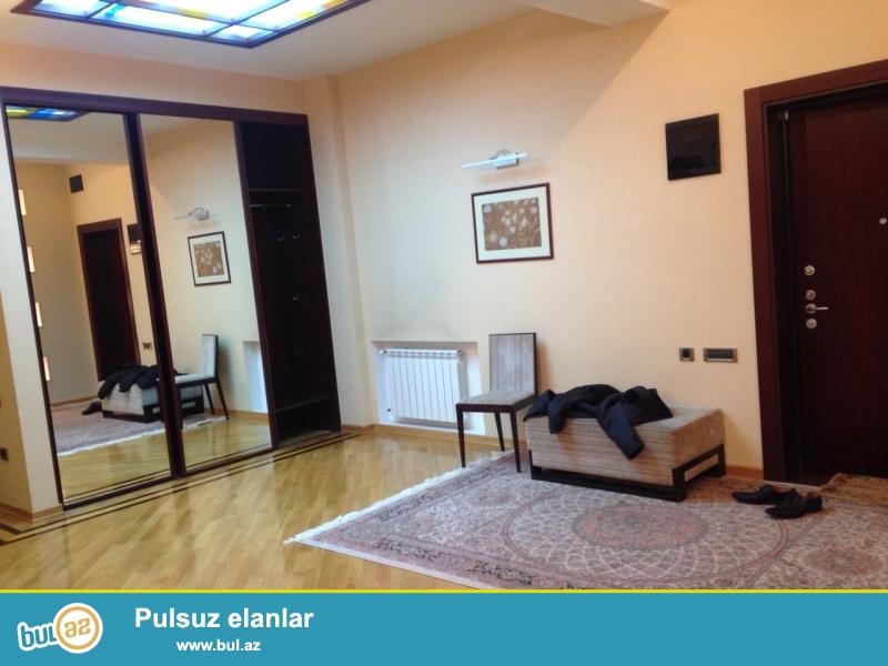 В Наримановском районе,около АБУ Арены сдается 4-ех комнатная квартира,площадью 140 кв...
