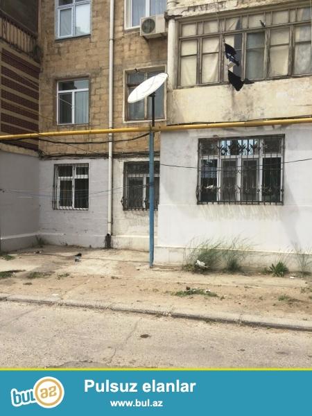 Q.Qarayev metrosu ərazisində M.Şərifli küçəsində 5/1-ci mərtəbəsində,daş bina,orta blok,otaqları ayrı,hündür tavan,yaxşı təmirli,3 otaqlı mənzil satılır.