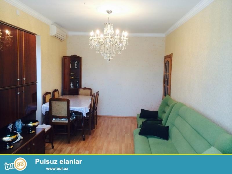 Neftciler metrosuna yaxin Q.Qarayev pr de 9/9 da 2 otaqli leninqrad proyektli ev satilir...