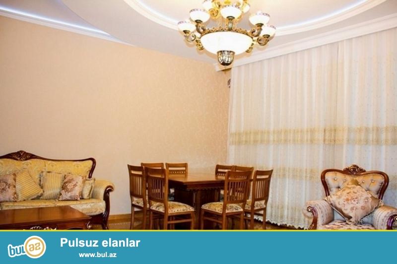 Очень срочно для солидных клиентов  в здании BRIDGE  PLAZA  расположенная по проспекту Бакиханова  сдаётся в аренду на долгий срок 3 – х комнатная квартира нового строения 12/17,площадью 140 квадрат...