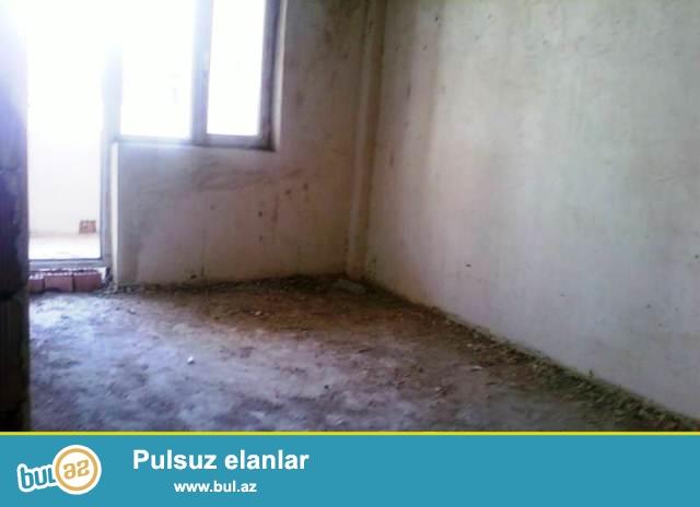 Xetai rayonu,Ehmedli metrosunun yaxinliginda tam yasayis olan 17 mertebeli yeni tikili binanin 14 mertebesinde 73 kv...