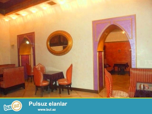Nəsimi rayonu Bülbül prospekti H.Əliyev sarayının yaxınlıqında Stalinka layihəli binanın 1 ci mərtəbəsində sahəsi 100 kv...