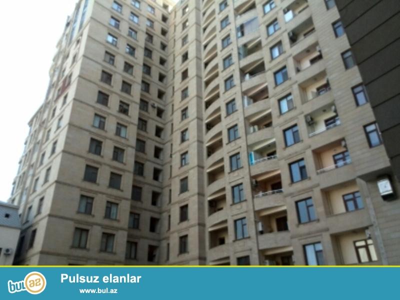 Продается 2-х комнатная квартира, по проспекту Бюль-Бюль, около дворца им...