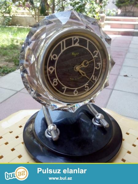 Qedimi xrustal Mayak saati. 75 ci ile mexsus, normal islek veziyyetde, USSR istehsali.