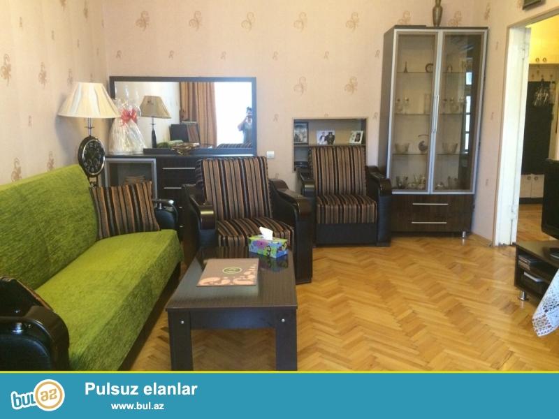 Очень срочно! Продается  3-х комнатная  квартира  старого   строения  проекта Сталинка , 4 / 5 , площадью  64  квадрат , расположенная рядом со Статистикой...